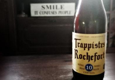 Tasting Trappist Rochefort 10 Belgian beer.