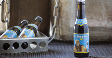 Tasting St Bernardus Abt 12 Dark Belgian Beer